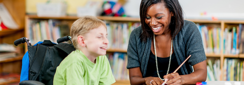 learndirect - social worker with young boy, fulfilling