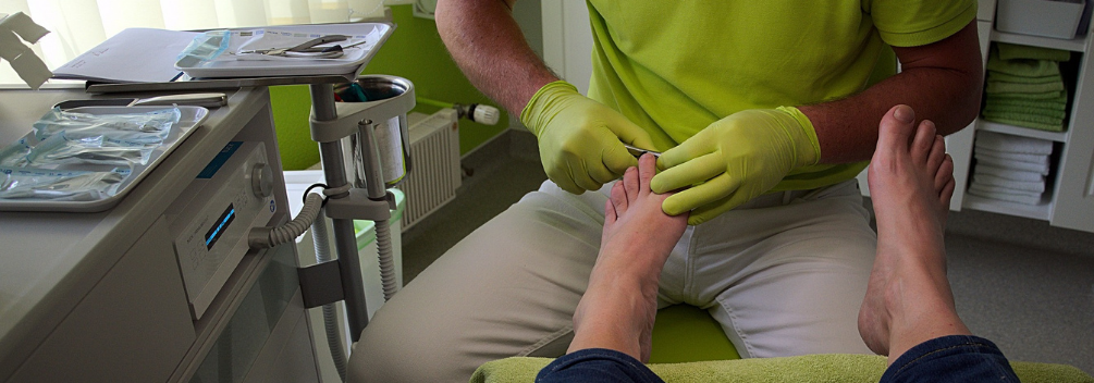 learndirect - what does a foot health care practitioner do